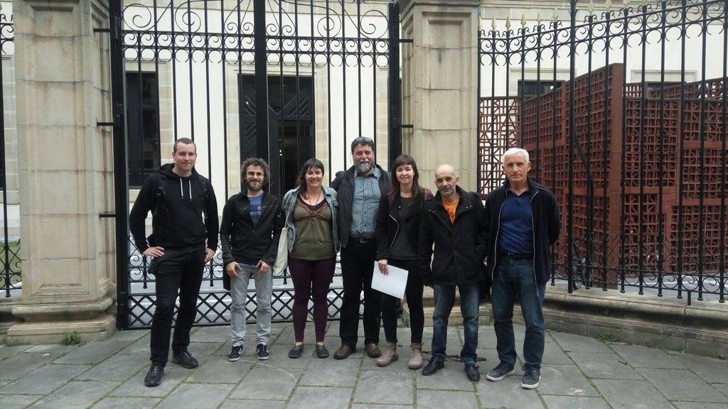 La exigencia de la derogación de la Ley Mordaza llega Parlamento Vasco de mano de tres colectivos sociales