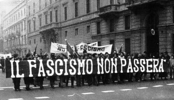 """""""La represión fascista que nos invade"""" -Juantxu Oscoz-"""