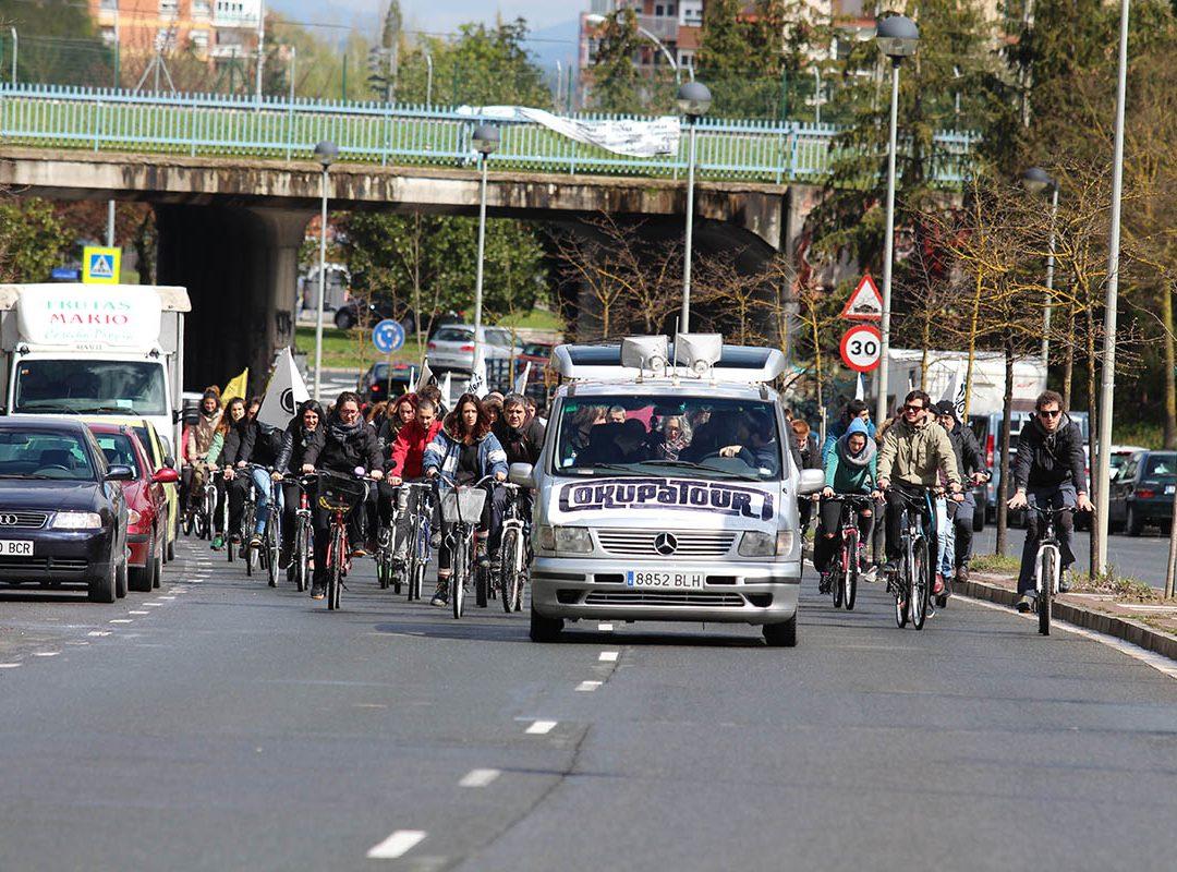 Gasteiz alternatibo eta autogestionatuari gorazarre egin dio OkupaTour arrakastatsuak