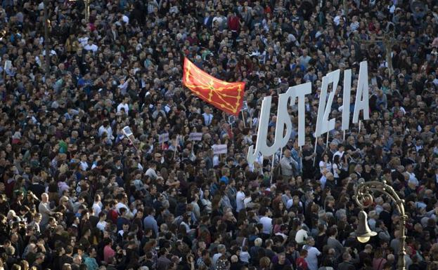 """Aritz (Altsasukoak Aske): """"Seguiremos trabajando de forma plural, pacífica y contundente para pedir justicia"""""""