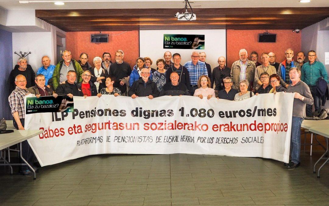 Las pensionistas se unen a la cadena humana del 10 de junio