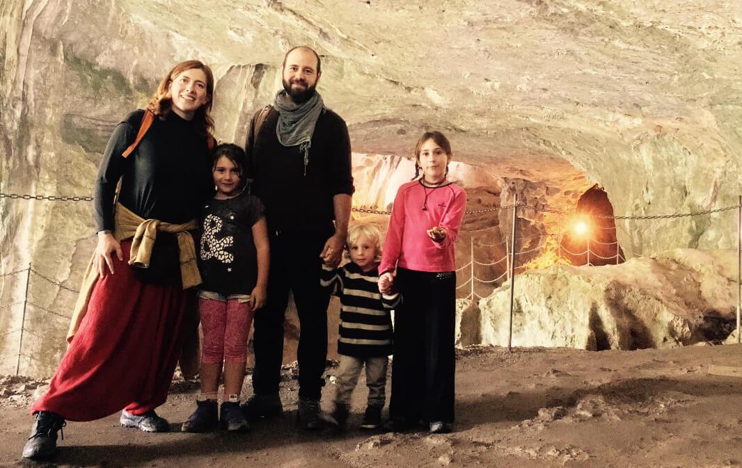 Kasakatxan 3.29: Dos décadas buceando el ancho mar / un viaje en familia con la casa a cuestas