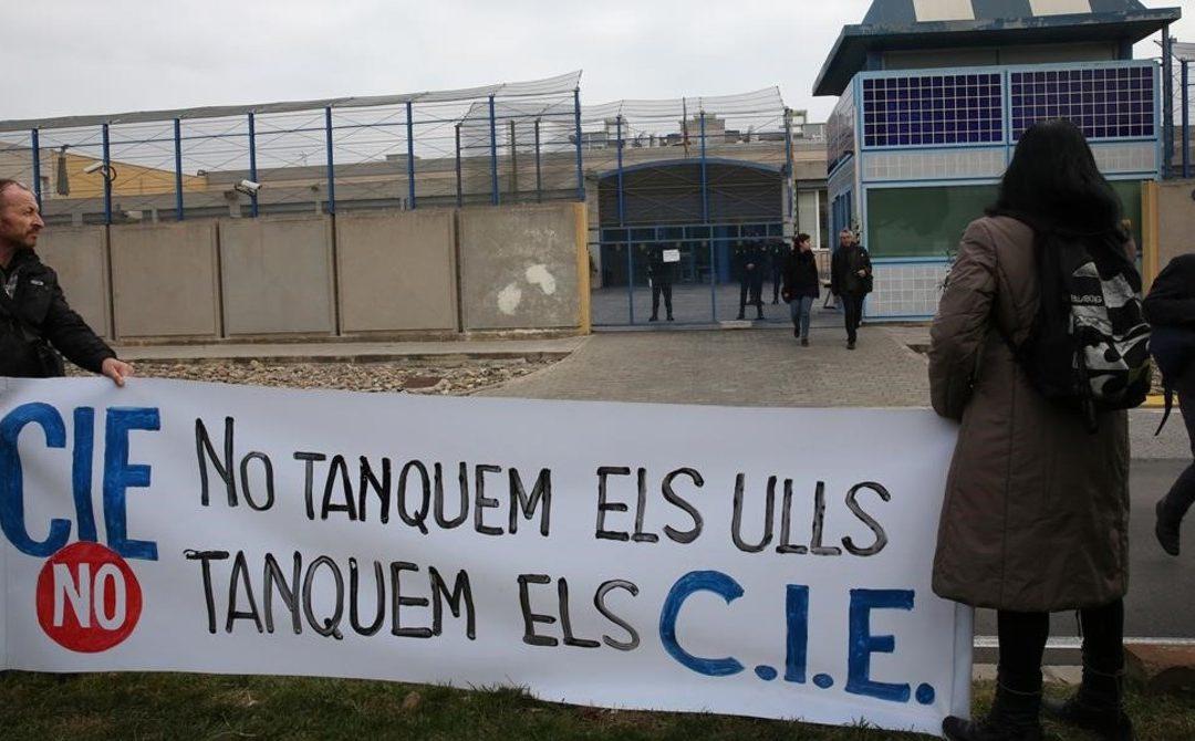 Detienen a un vecino de Gasteiz y lo trasladan a un CIE de Barcelona