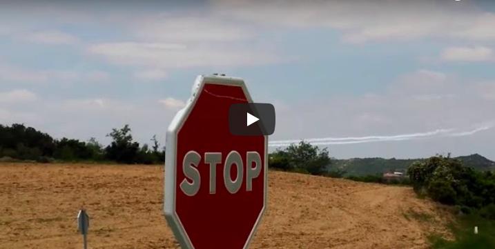 El ejército español realiza maniobras militares aéreas en Arabar Errioxa