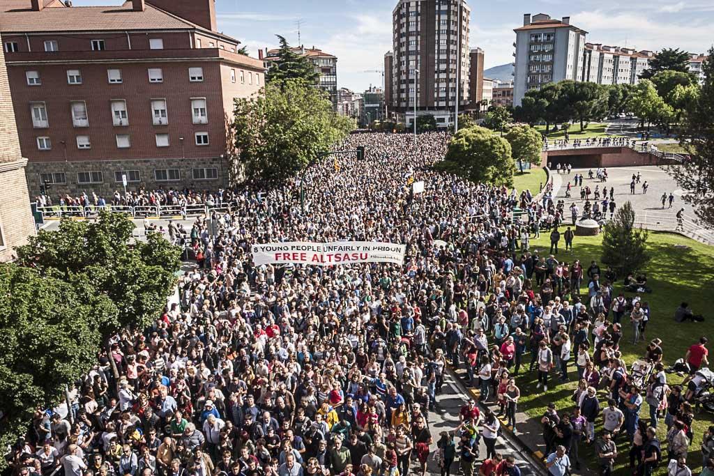#AltsasukoakAske, 100.000 txio baino gehiago elkartasuna adierazteko
