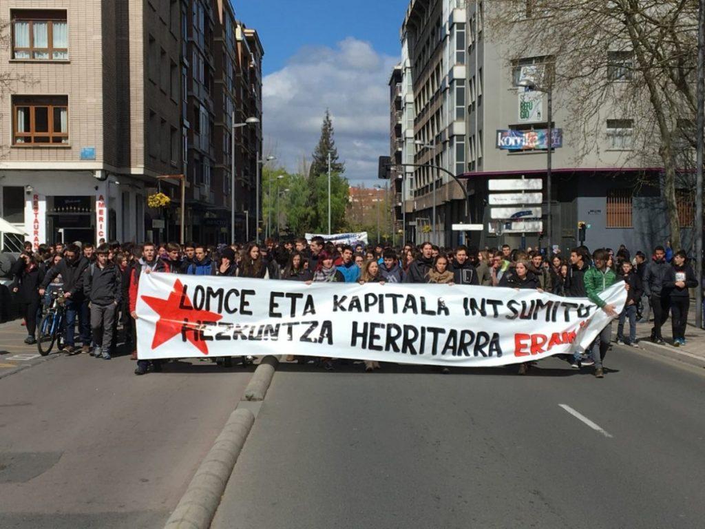Las tres estudiantes del campus de Gasteiz detenidas quedan en libertad
