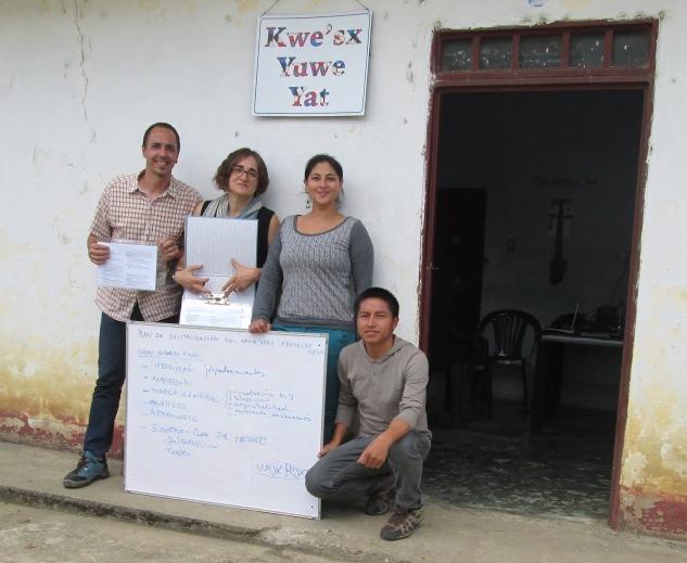 Kolonbiako nasa yuwe hizkuntza indigenarekin elkarlanean
