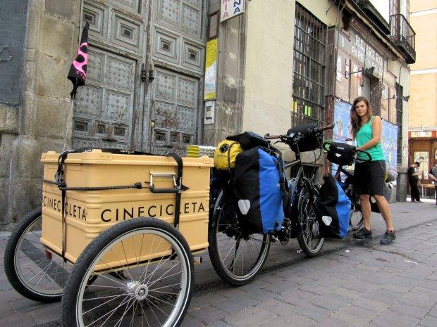 Kasakatxan 3.32: Género y viajes / Cinecicleta