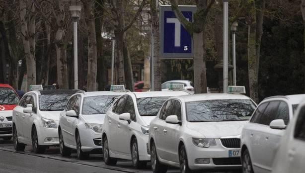 Taxistas de Araba decididirán este lunes si secundan la huelga en solidaridad con sus colegas de Barcelona