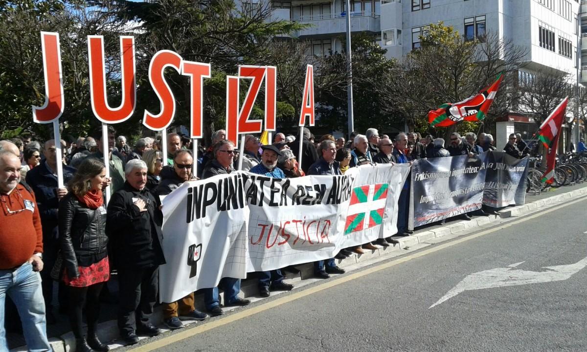 La Plataforma Vasca contra el franquismo se une a los actos convocados en Gasteiz el 18 de julio en denuncia de la impunidad franquista