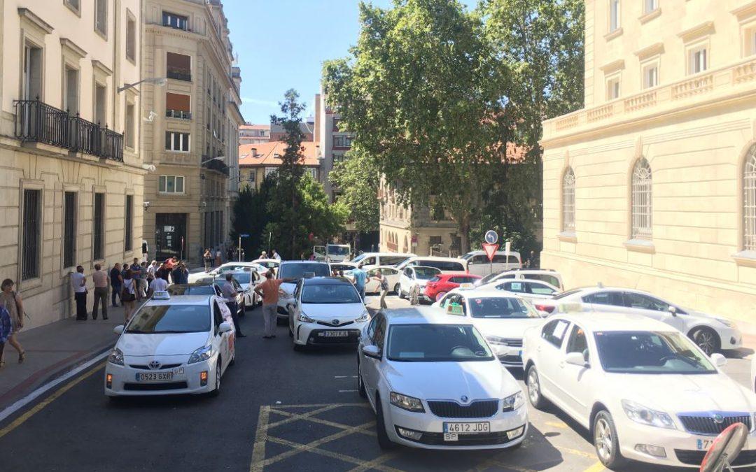 Taxistas de Araba suspenden la huelga