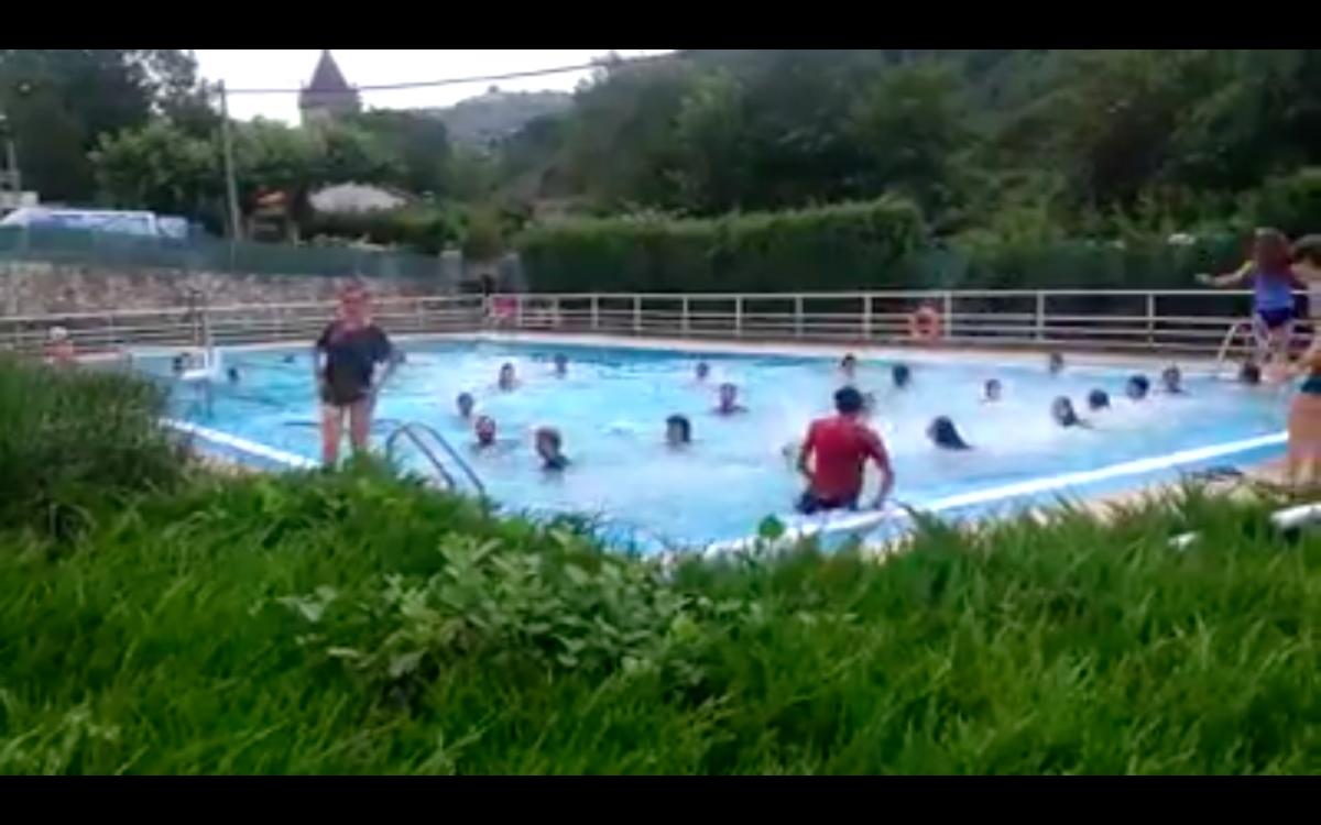 Discriminación tránsfoba en las piscinas de Salinas de Añana y respuesta colectiva