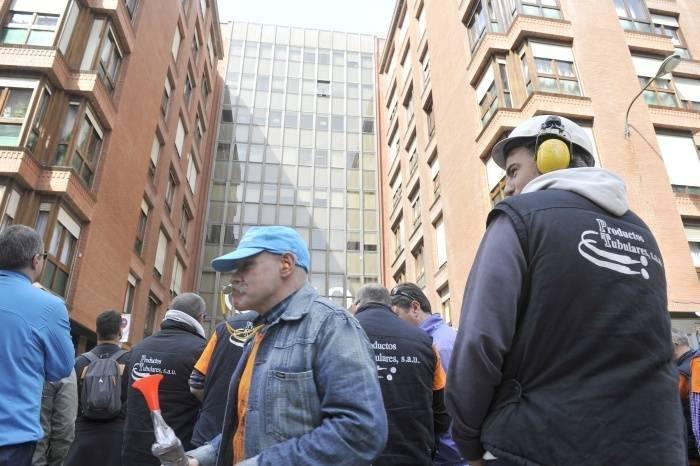 Tubacex persigue y despide a la plantilla de Artziniega tras convocar una huelga de seis días