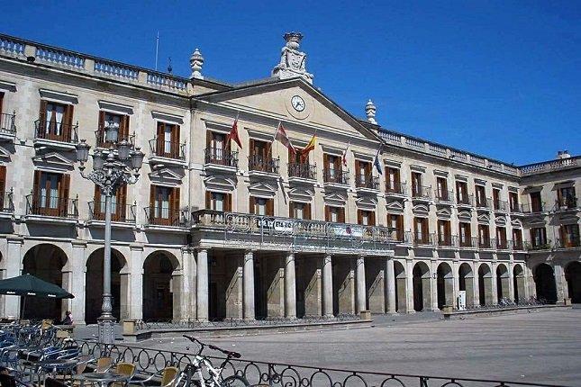 Una operación anticorrupción en decenas de ayuntamientos del Estado español salpica a Gasteiz