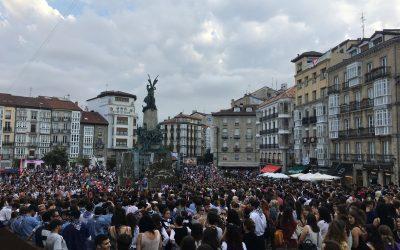 Gasteizko Mugimendu Feministaren elkarretaratzearekin bat egin dute milaka lagunek