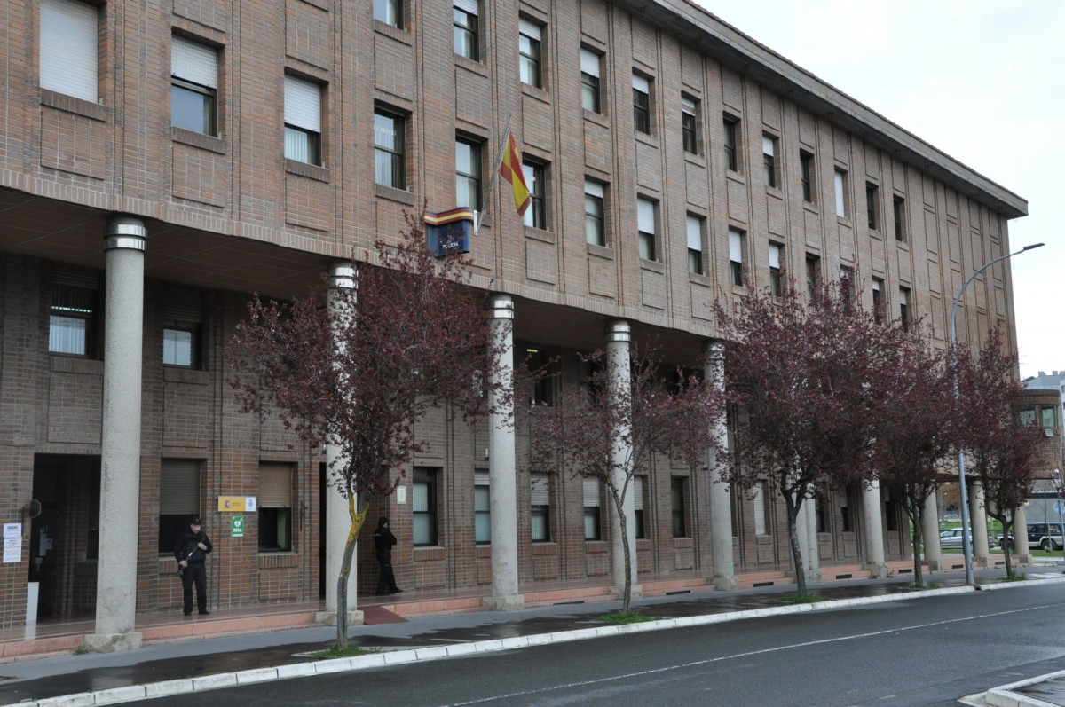 Deportado a Marruecos un vecino que llevaba 12 años viviendo en Gasteiz 48 horas después de ser identificado por la Policía Municipal