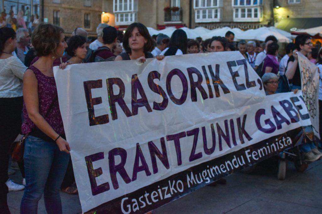 Euskal Herriko azken erailketa matxista salatu dute Gasteizen