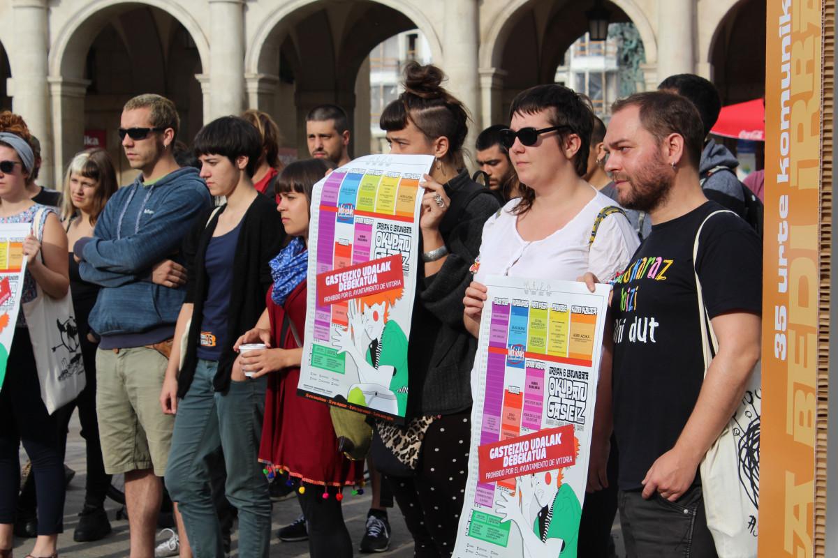 """Okupatu Gasteiz Egunaren debekua """"zentsura politikotzat"""" jo dute, urriaren 6an Gasteizera etortzeko deia mantentzearekin batera"""