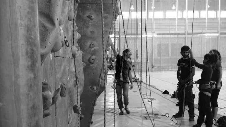 La comunidad escaladora de Araba ante el cierre de rocódromos en Gasteiz