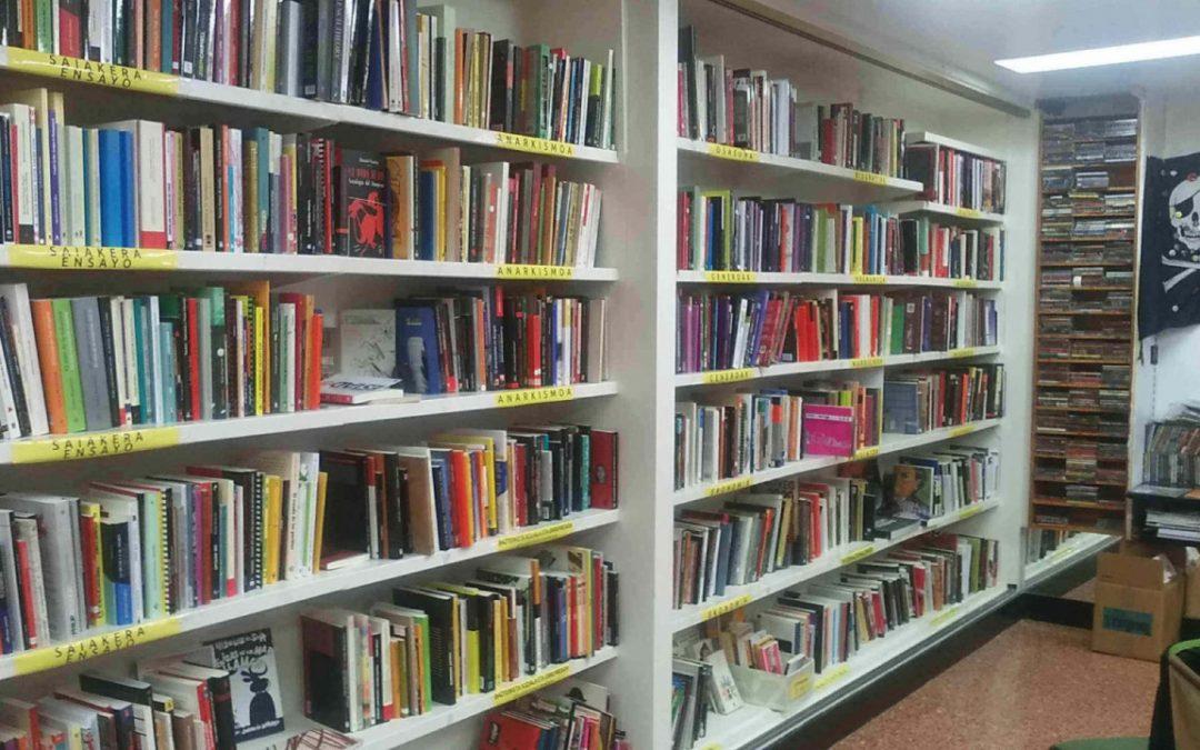 """Literatura l """"Libros de combate"""" desde el ZAPateneo"""