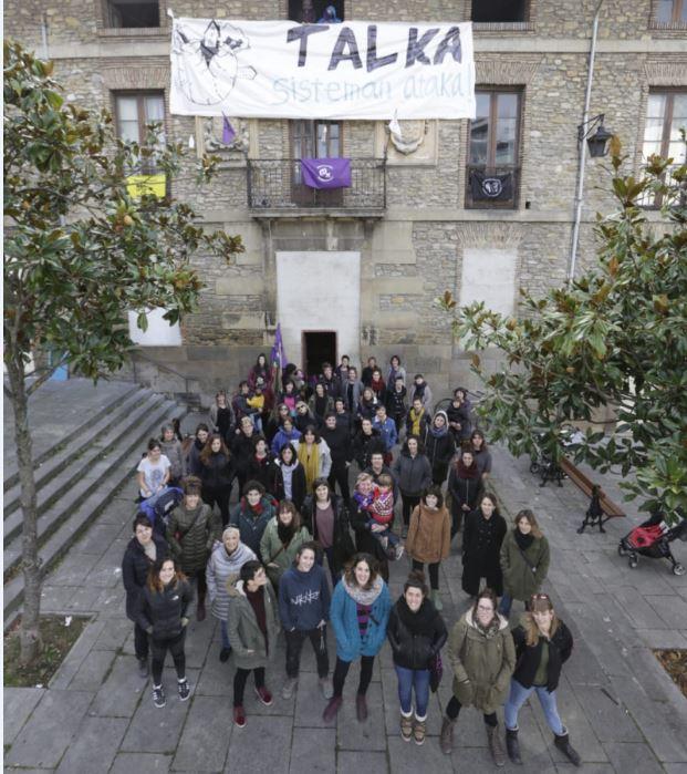 El Ayuntamiento de Gasteiz intenta presionar al proyecto feminista Talka mediante identificaciones y amenazas de multas