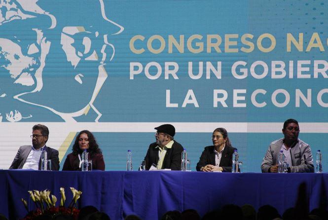 """""""Las FARC del postconflicto: entre los debates y las divisiones"""" -Manuel Godoy García-"""