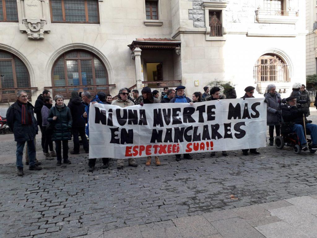 Salhaketa pide cuentas al Gobierno de España tras la muerte de un joven en la cárcel de Zaballa