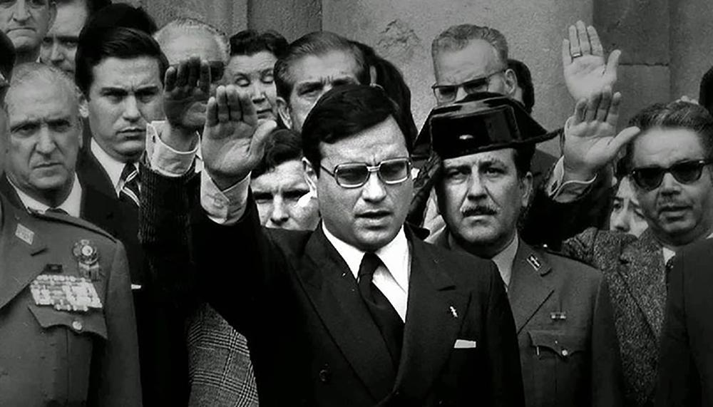 """Gasteiz, primer municipio en declarar a Martín Villa persona """"non grata"""""""