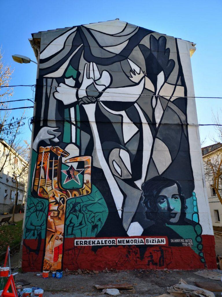 Romualdo Barroso gogoan, mural berria egin du Irantzu Lekuek Errekaleorren