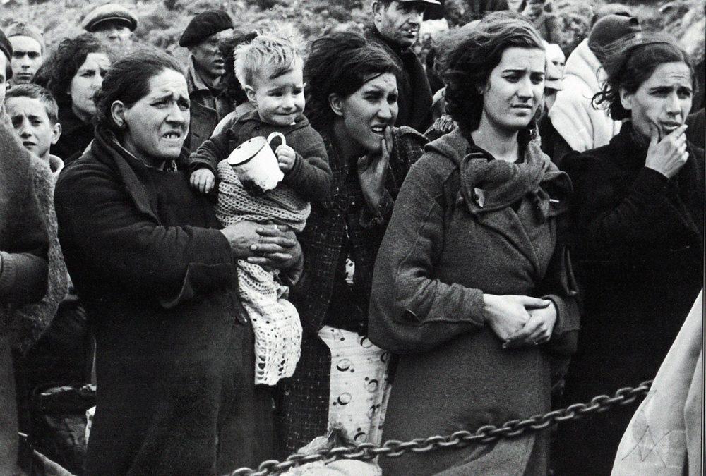 """Josu Chueca: """"La retirada supuso el exilio de miles y miles de personas, en muchos casos, de por vida"""""""