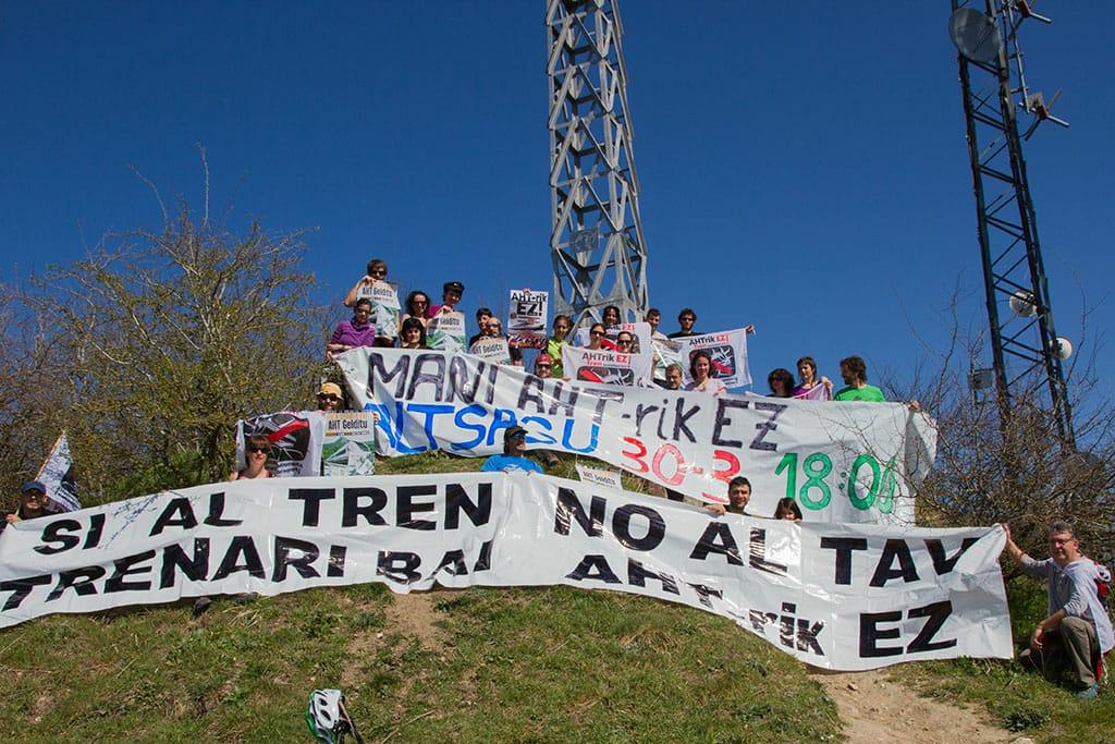 Desde Zaldiaran se anima a seguir la lucha contra el TAV