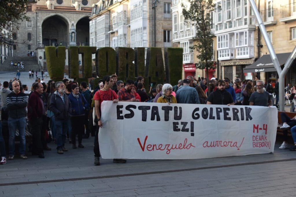 Una concentración rechaza el intento de golpe de estado en Venezuela