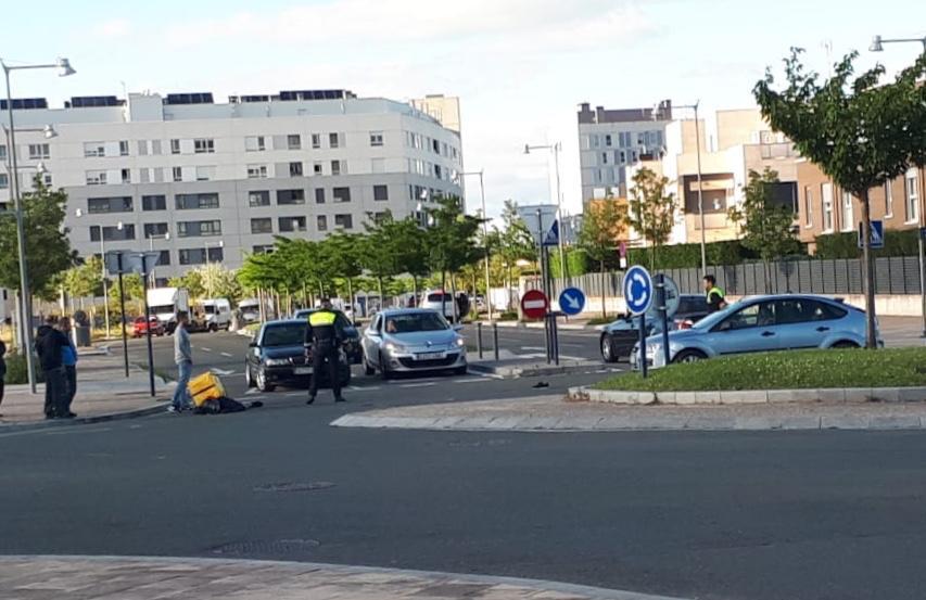 Un motorista de Glovo sufre un accidente en Gasteiz