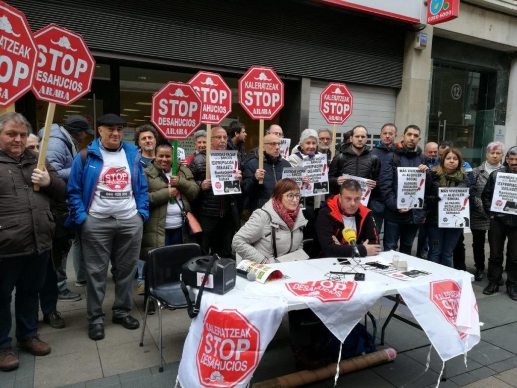 La movilización social pone el caso de 'Chuse' en la agenda municipal