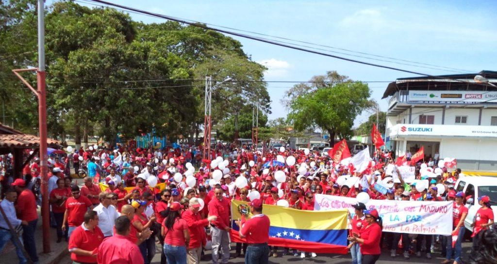 """Ibai Trebiño: """"Polarizatua dago Venezuelako biztanleria, ez dauka irtenbide erraza"""""""