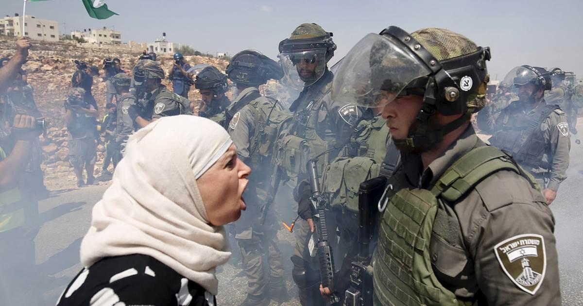 """""""Es  importante  poner  en  valor  el  papel  de  las  mujeres  en  la  lucha  de  resistencia  palestina  para  combatir  el  estereotipo  de  mujer  velada"""""""