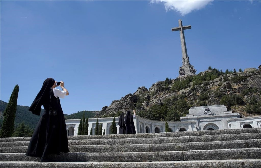 El Valle de los Caídos alberga los restos de 617 alavesas