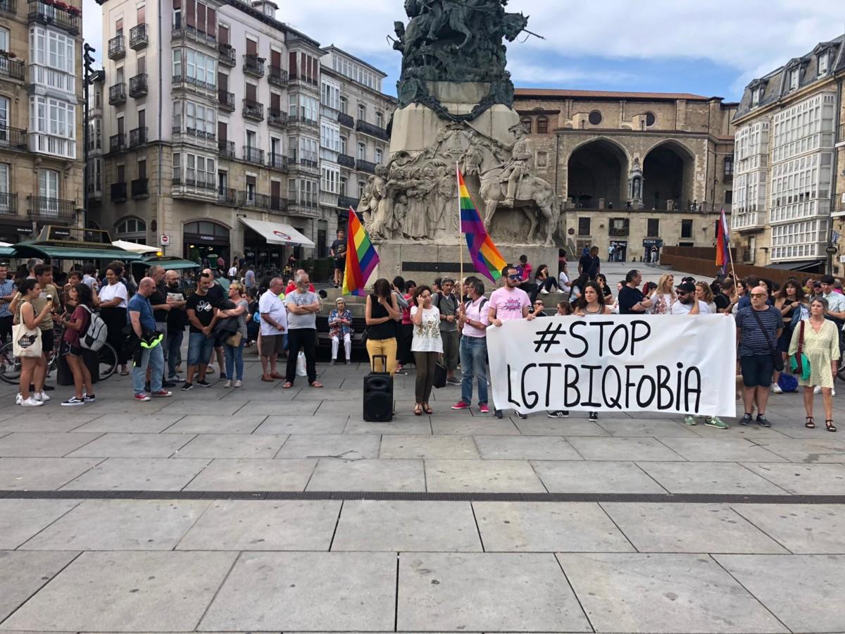 Respuesta  unánime  a  la  agresión  homófoba  contra  un  joven  de  16  años