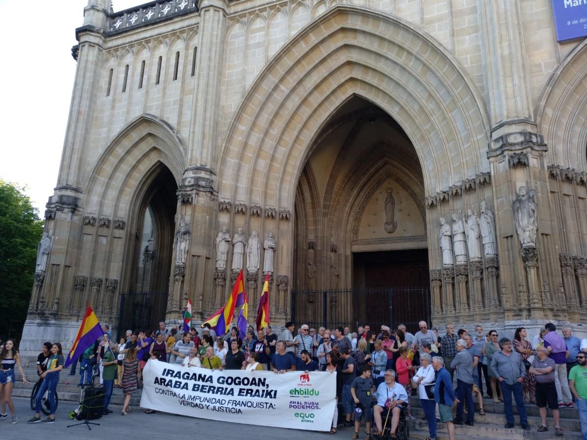 Gasteiz recuerda a las víctimas del Franquismo en el 83 aniversario de la rebelión militar franquista