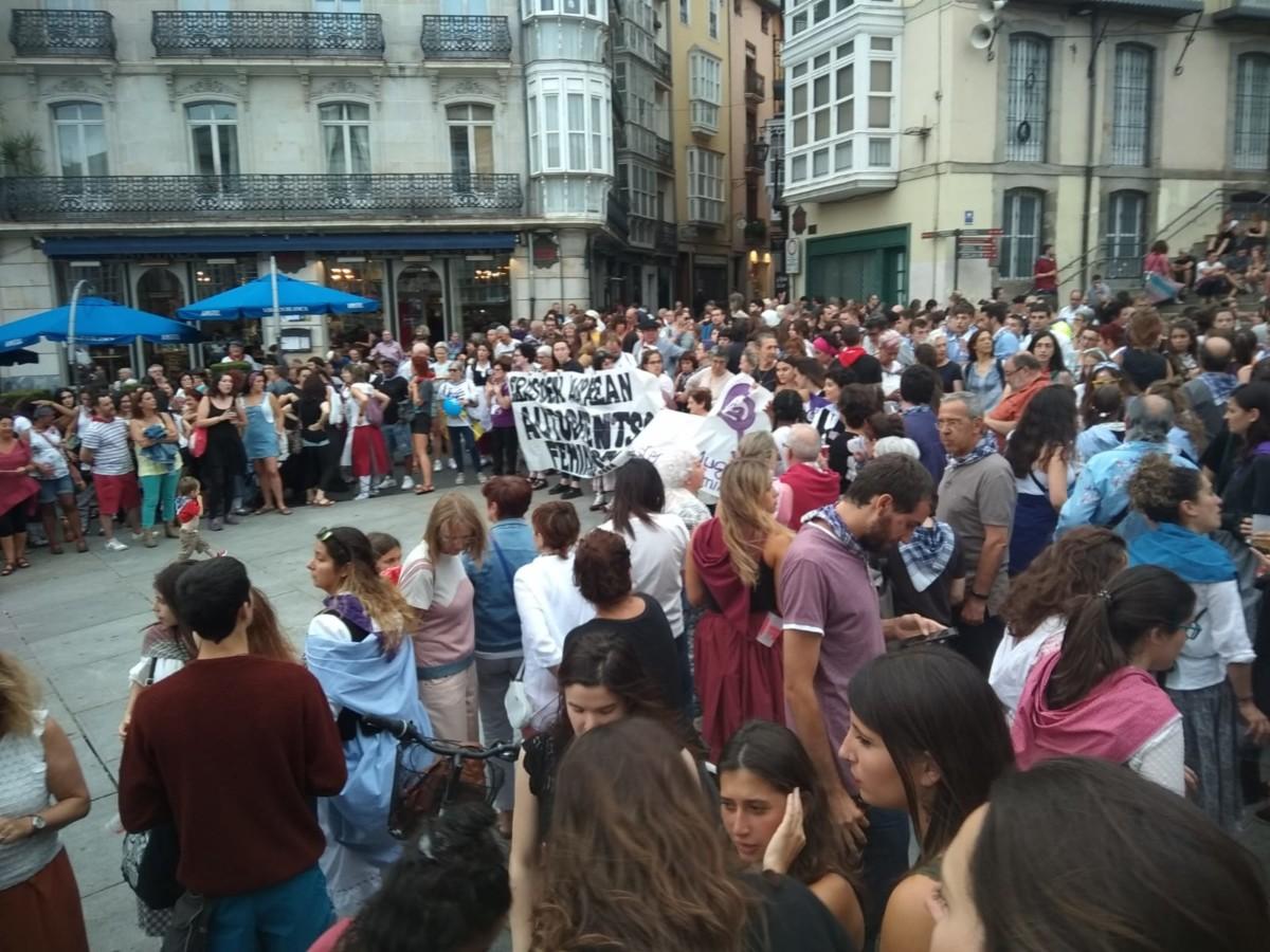 Respuesta  unánime  contra  las  agresiones  sexistas  en  jaias  de  Gasteiz