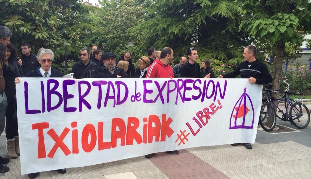 Un joven de Gasteiz tendrá que hacer frente a 9.700 euros de petición fiscal por escribir en Twitter