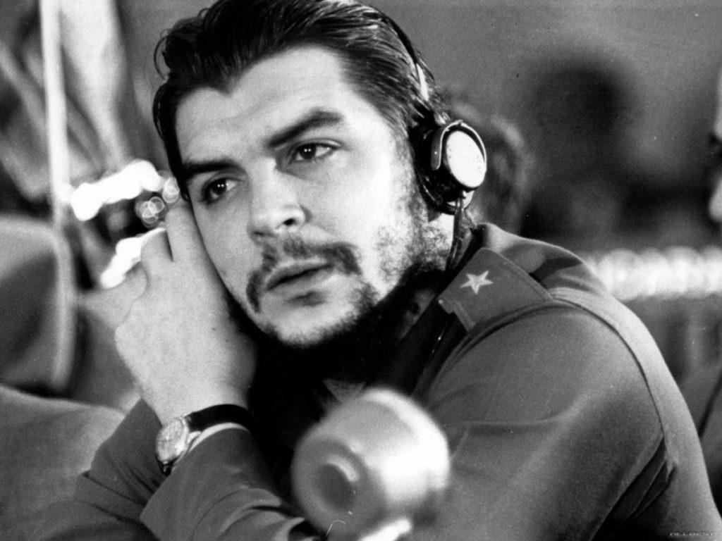 """Salvador Gonzalez (Euskadi-Cuba): """"Kapitalismoak dena bihurtzen du merkantzia, baita Che Guevararen figura ere"""""""