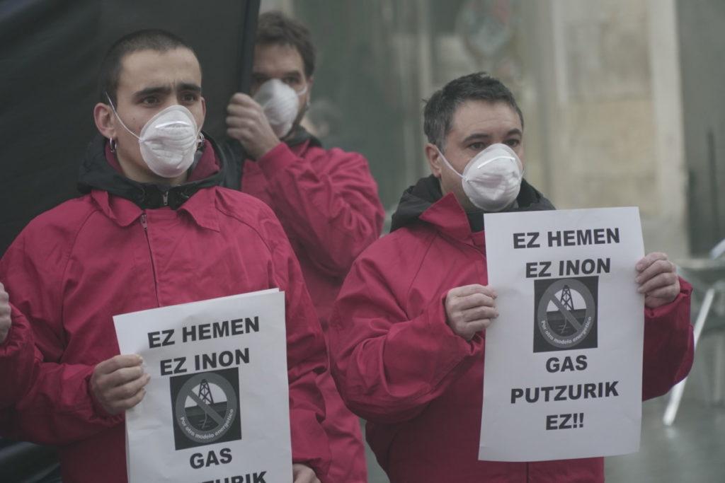 Armentiako gas putzuen proiektuari uko egitea eskatu die Mugimendu Ekologistak euskal erakundeei