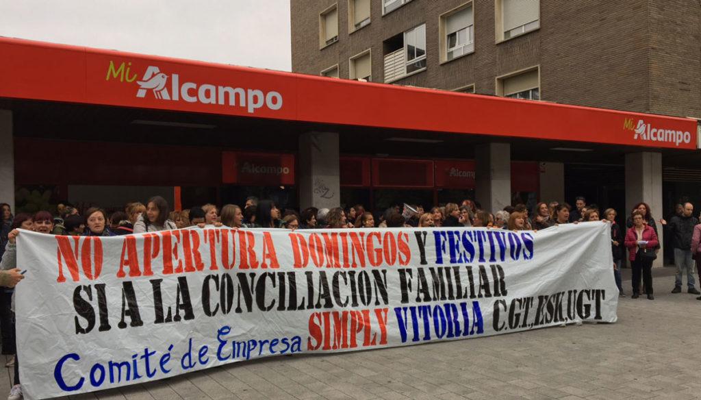 El Simply de la Avenida Gasteiz no abrirá el día 1 de Enero.