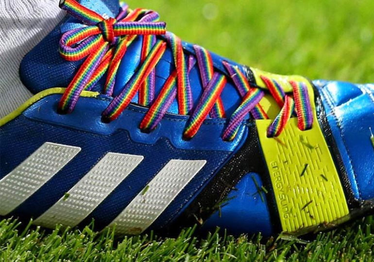 Homofobia futbolean
