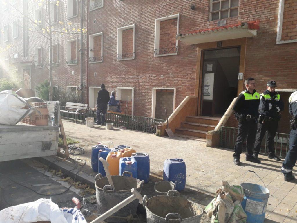 Denuncian al Ayuntamiento de Gasteiz por un delito de coacción contra las vecinas de Olarizu
