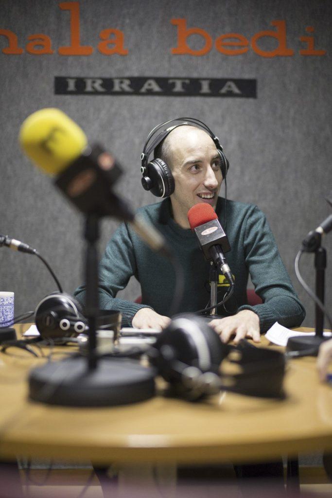 """Ekaitz Samaniego: """"Jendartearen lotsak azpian ezkutatzeko alfonbra da espetxea"""""""