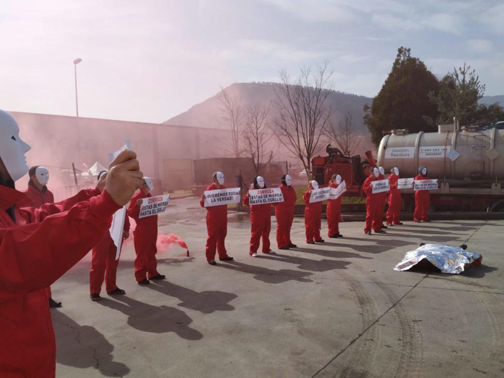 Protesta en la empresa Zorroza de Aiara: «No os vamos a pasar ni una más»