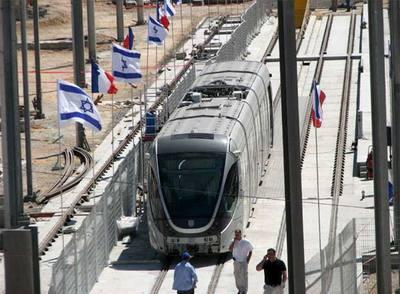 """Koldo Alzola: """"Datorren asteak erabakiorrak izango dira Jerusalemgo tren arinaren eraikuntzan"""""""