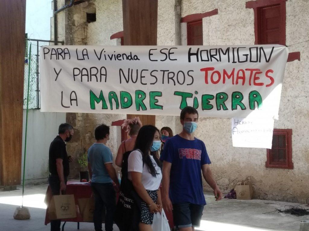 """El Ayuntamiento de Valdegovía rechaza paralizar la construcción de invernaderos dedicados al cultivo de """"Tomate Frankenstein"""""""